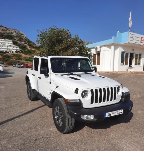Jeep Wrangler 4x4 cabrio automatic HYBRID 5 persons SAHARA